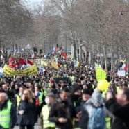French 'Yellow Vest' Protestor Injured in 13th Weekend of Demonstrations