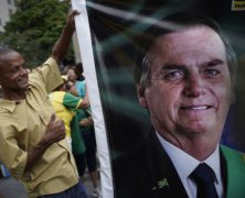 Thousands March to Support Brazilian President Bolsonaro Amid Widespread Criticism of Him