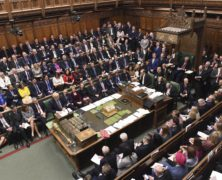 British Lawmakers Vote to Delay Brexit Deal Approval